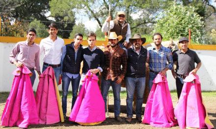 Juan Pablo Sánchez y Gonzalo Caballero en el campo tlaxcalteca