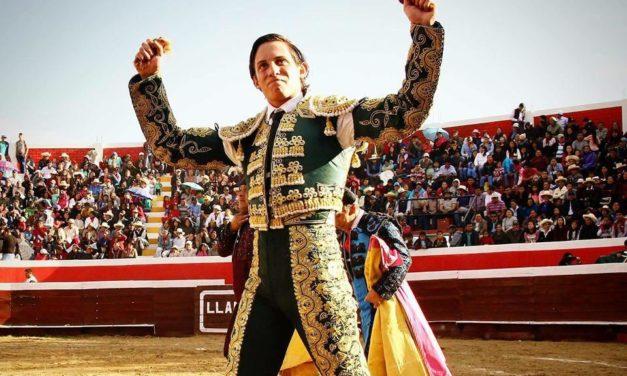 El novillero Nicolás Vásquez premiado como triunfador de Perú 2018