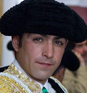 """Pelotón"" de diez matadores a la México"