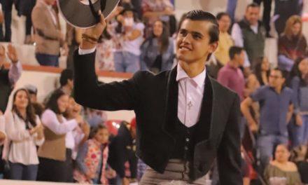 Salen a hombros Diego Sánchez
