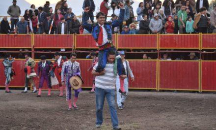 Sale a hombros Rodrigo «El Breco»