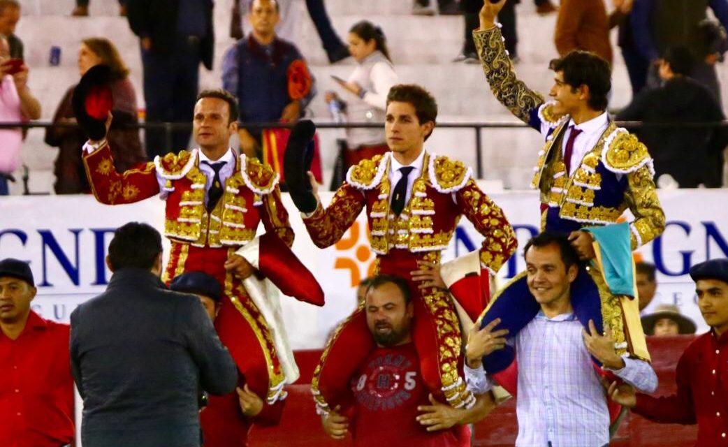 Salen a hombros Marín, Luis David y Ferrera