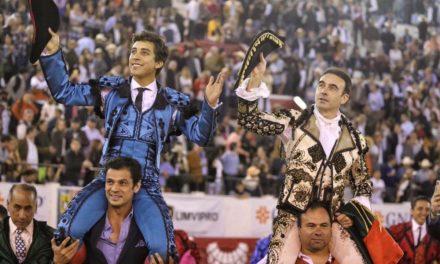 Ponce y Valadez salen a hombros en la corrida Cervantina