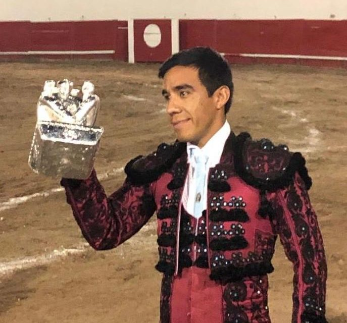 Antonio Romero oreja y Escapulario de Plata