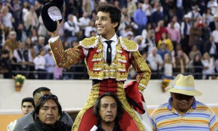 Leo Valadez triunfa en Guadalajara