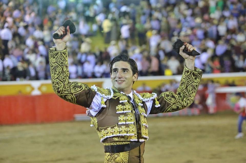 Arturo de Alba se doctora con el pie derecho