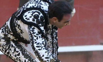 Enrique Ponce cae herido