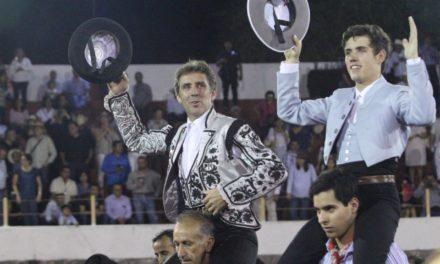 Salen a hombros Los Hermoso de Mendoza