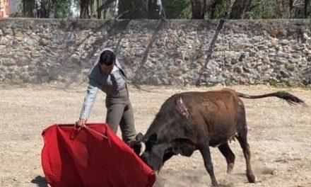 Israel Téllez tentó en la ganadería de Rosas Viejas