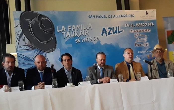 Dos carteles benéficos en San Miguel de Allende