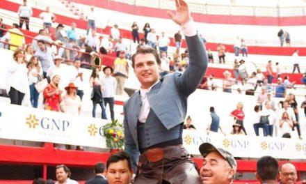 Triunfal tarde de Sebastián Torre en MTY