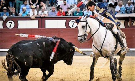 Burgos, Moura y Telles, orejeados