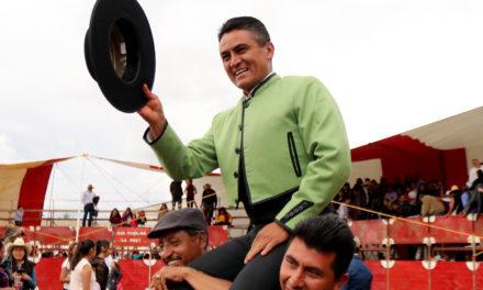 «El Pausao» cortó dos orejas en Atlangatepec