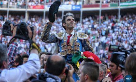 Resonante triunfo de José Tomás en Granada