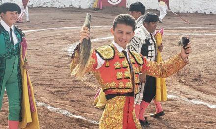 Cristian Antar corta un rabo en Tlapacoya