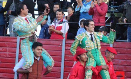 «Calita» y Rivera salen a hombros en Chiautempan