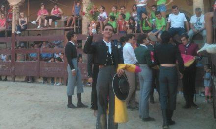 El novillero sin picadores Iñaki González  a paso firme