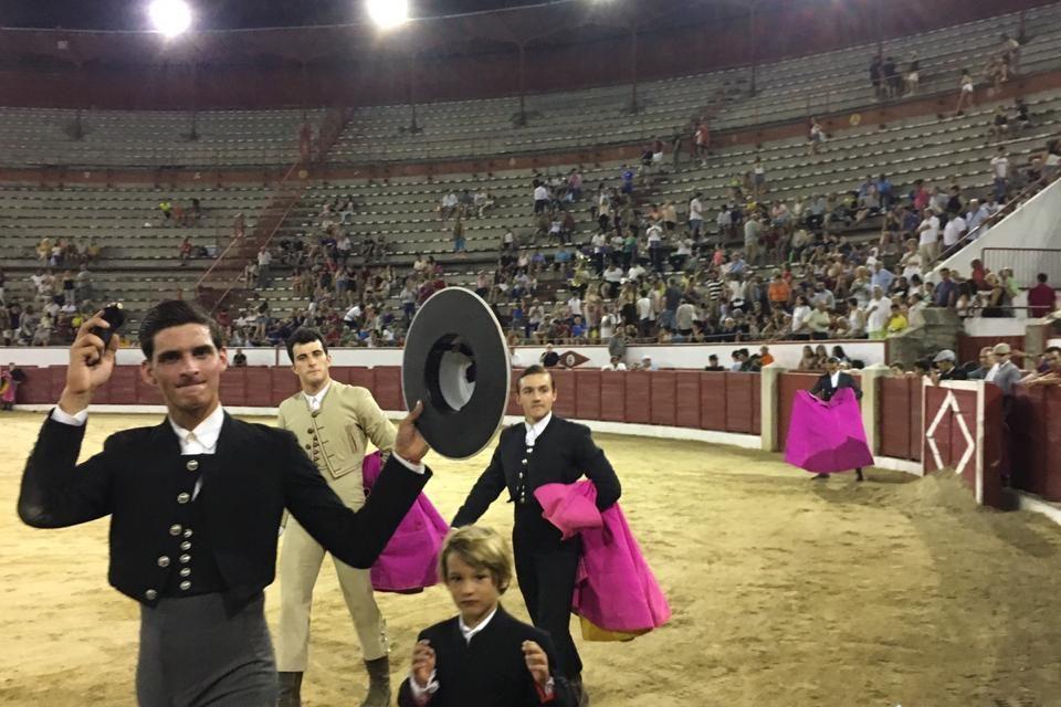 Iñaki González pase una oreja en Colmenar Viejo