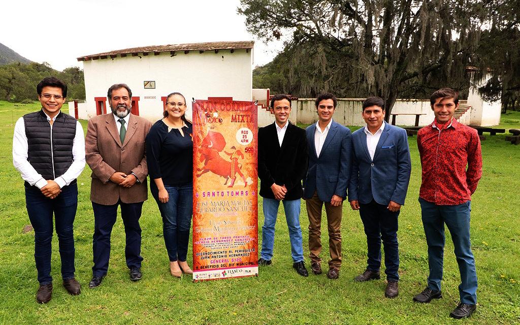 Presentan cartel de feria de Tlaxco