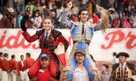 Triunfal tarde de Antonio Lomelín y Rocío Morelli en Presas