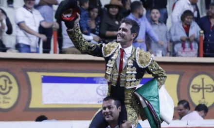 Arturo Macías máximo triunfador en la Corrida de Las Luces