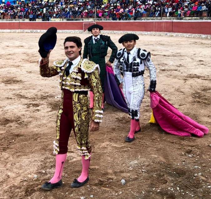 Michel Lagravere da dos vueltas en Perú