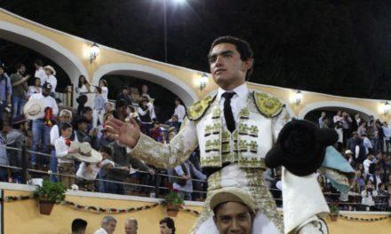 Triunfal tarde de Juan Querencia en Juriquilla
