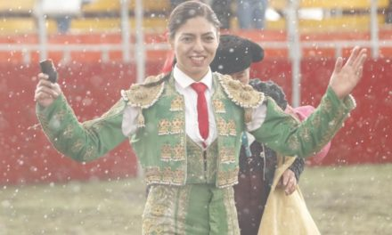 Oreja para Luis Pimentel y Karla de los Ángeles