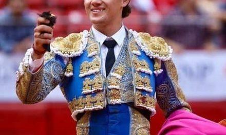 Trofeo y oreja a Miguel Aguilar en GDL