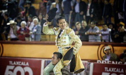 Angelino de Arriaga sale a hombros