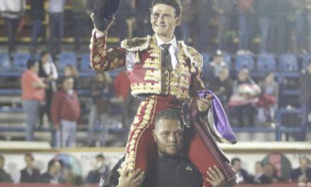 «El Galo» triunfa en Puebla