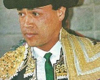 César Pastro cumple XL Aniversario de confirmación