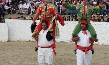 Reyes y Recoba salen a hombros
