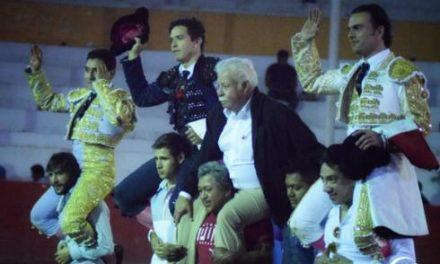 «El Chihuahua», Sotelo y Ochoa salen a hombros