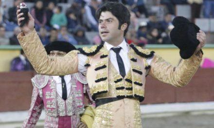 Sendas orejas para Rivera y Mendoza en Apizaco