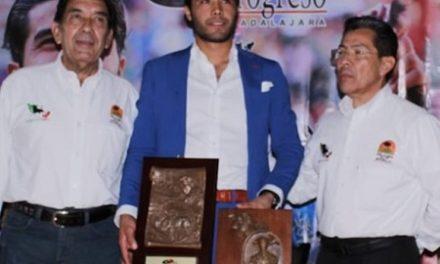 Diego San Román es galardonado