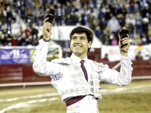 Luis David triunfador en La Chona