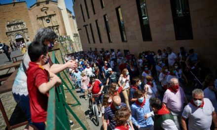 Paseo taurino en Pamplona