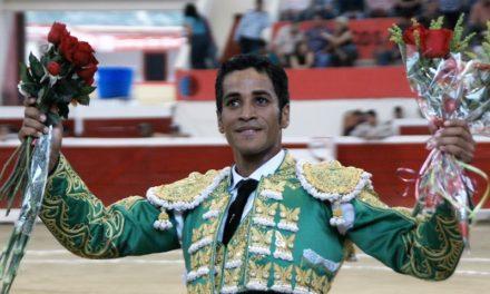 Tomás Martínez en pie de lucha