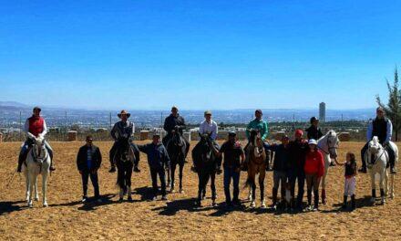 Finaliza curso de equitación y rejoneo