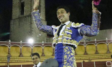 Sergio Flores salió a hombros en Tlaxcala