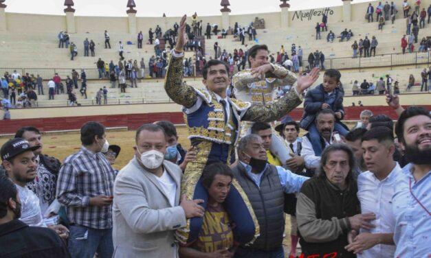 Salen a hombros José Mauricio y Joselito Adame