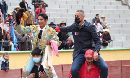 Luis Ángel Hernández indulta un buen novillo en Apizaco