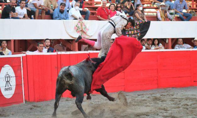 Cornada grave a el novillero Diego Garmendia